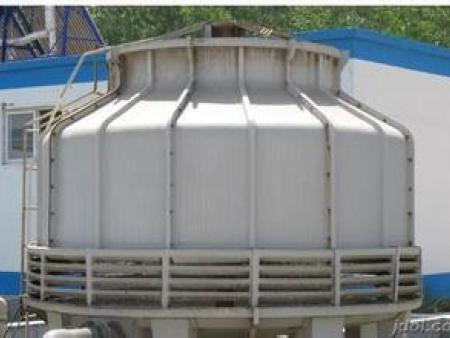Round counterflow cooling tower